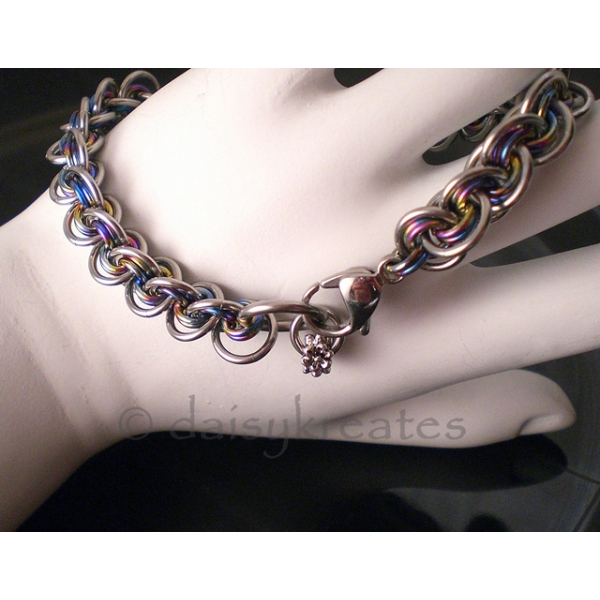 3x3 Wave Bracelet in stainless steel and rainbow anodized niobium