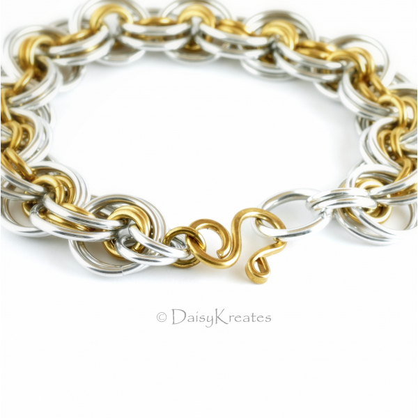 Ghenghiz Cohen bracelet features heart shape hook of DaisyKreates design