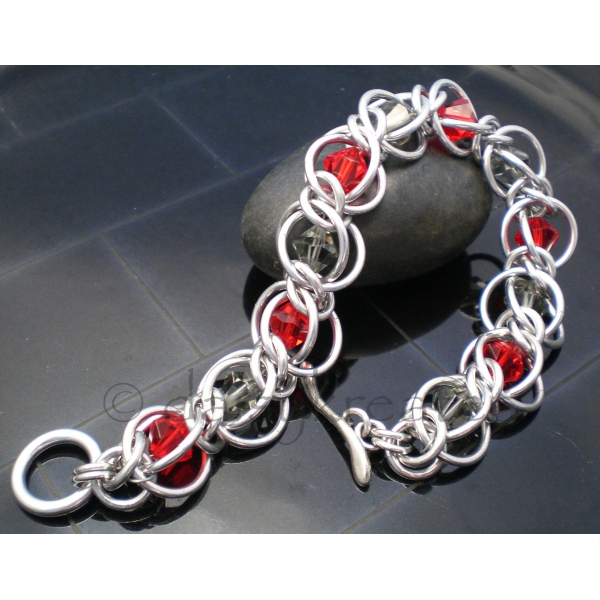 Half Persian 3 in 1 - Crystal Flannel Bracelet in Red and Grey