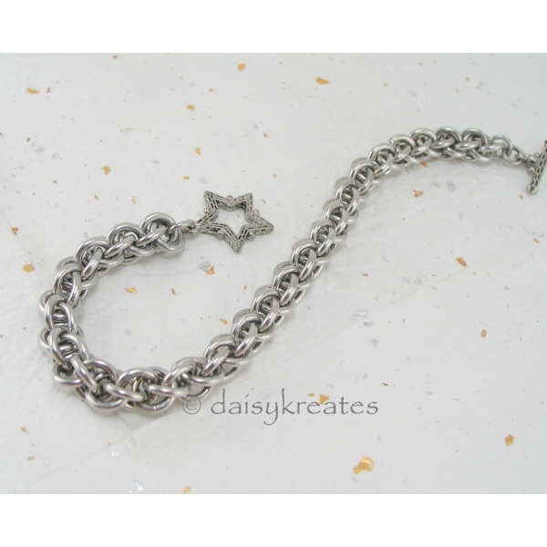 Jens Pind Linkage JPL 3 Bracelet fastens with Star toggle